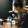 Operating the mug press