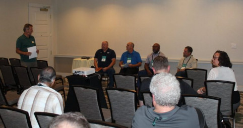 From left: Bob Neubauer talked with a panel of in-plant inkjet users that included Ben Bean, of Brigham Young University; John Bartik, of Western & Southern Financial Group; Greg Estep, of the U.S. Government Publishing Office; and Craig Coley, of Pinnacol Assurance.