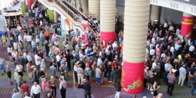 Graph-Expo-entrance-crowd-400-1