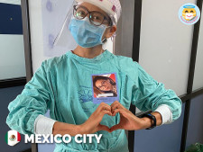 Faces Behind Masks has already printed 380,000 stickers featuring medical personnels' smiling faces and aims to be available for all hospitals globally.