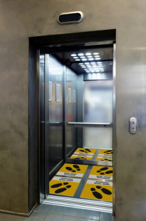 HP and 3M templates include floor and carpet graphics for social distancing and wayfinding that are durable, removable, cleanable and UL 410 approved for anti-slip.