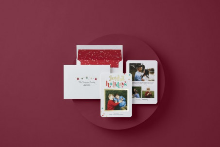 Examples of Shutterfly holiday cards printed with HP Indigo technology.