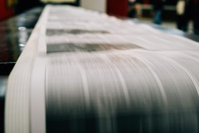 Newspaper Kansas City Star to close its newspaper printing plant in downtown Kansas City and outsource the printing.