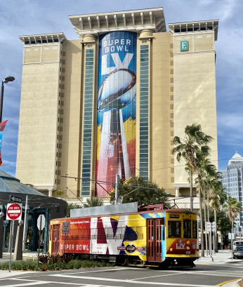bluemedia printed the graphics for Super Bowl 2021 in Tampa, Fla.